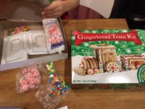 お菓子の列車3